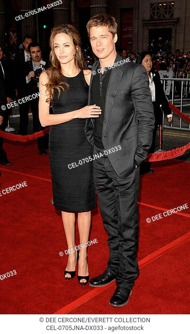 Angelina Jolie, Brad Pitt at arrivals for OCEAN'S THIRTEEN Premiere, Graum, Los Angeles, CA, June 05, 2007. Photo by: Dee Cercone/Everett Collection