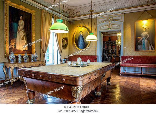 BILLIARD ROOM DECORATED IN THE STYLE OF THE SECOND EMPIRE WITH A 19TH CENTURY MAHOGANY BILLIARD TABLE, CHATEAU DE MAINTENoN, EURE-ET-LOIR 28, FRANCE