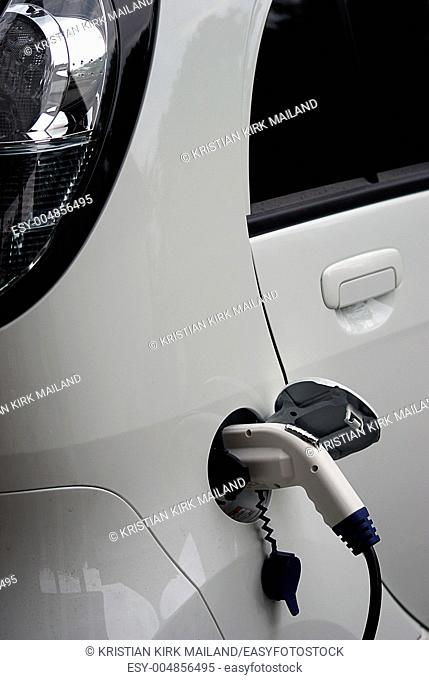 Fuelling an electrical car, power plug