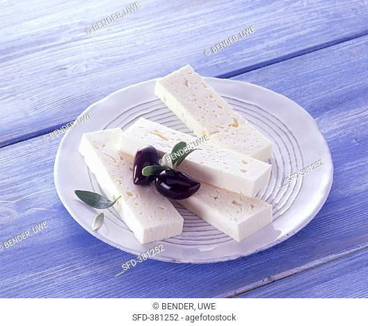 Sheep's cheese and black olives