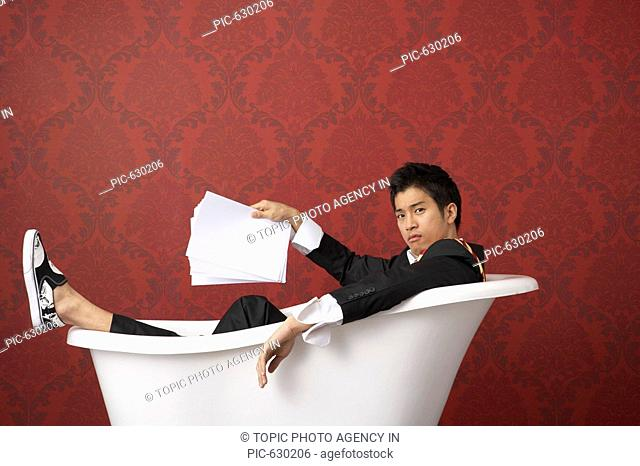 Businessman in the Bathtub, Korea