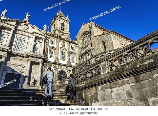 Church of the Venerable Third Order of St. Francis (left) and Church of Saint Francis (Igreja de Sao Francisco) in Porto city, Portugal