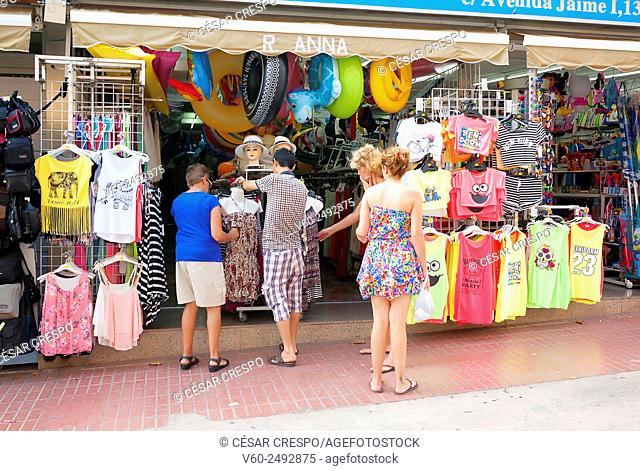 -Tourist shopping- Benidorm (Spain)