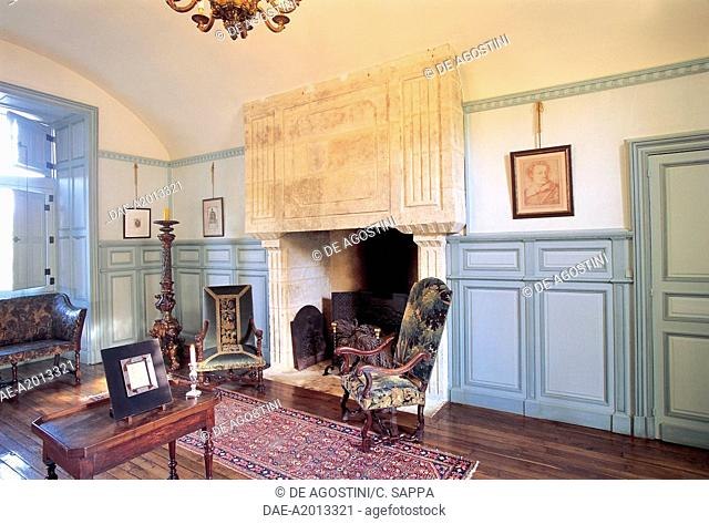 Room with fireplace, Chateau of Losse, Thonac, Aquitaine, France