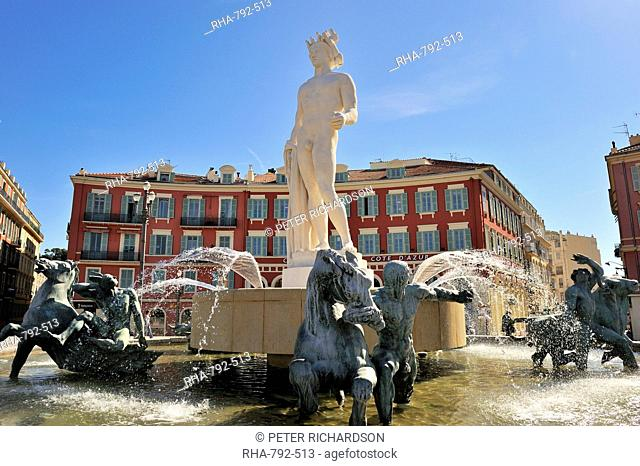 The Fontaine du Soleil Fountain of the Sun, Place Massena, Nice, Alpes Maritimes, Provence, Cote d'Azur, French Riviera, France, Europe