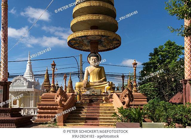 Wat Pothiyaram or Wat Chas buddha statue, Phnom Penh, Cambodia, Asia