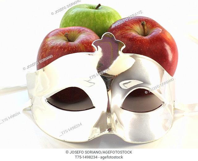 apples and mask