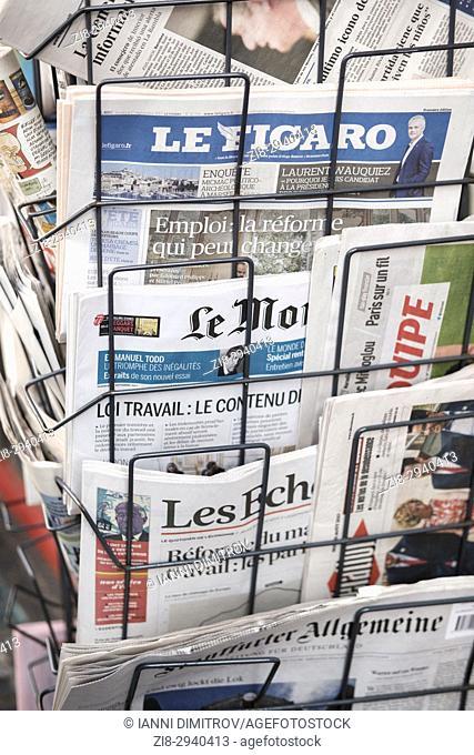 International newspapetrs on newsstand