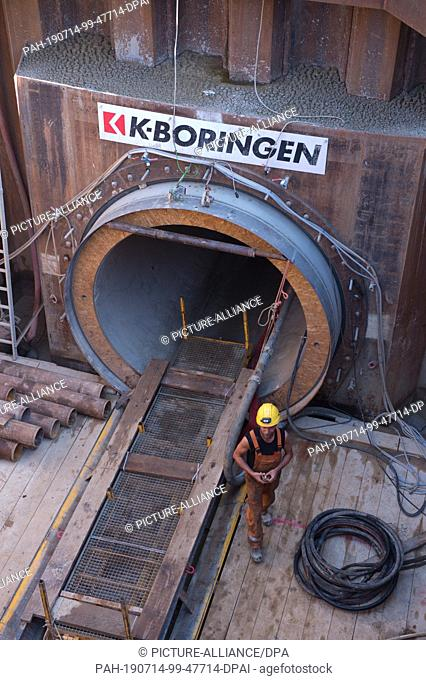 26 June 2019, Mecklenburg-Western Pomerania, Stolpe: View into the starting pit of the 1003 meter long tunnel under the whole Peene valley