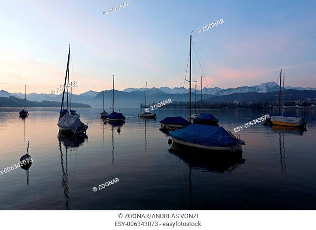 sailing boats on Vierwaldstätterlake