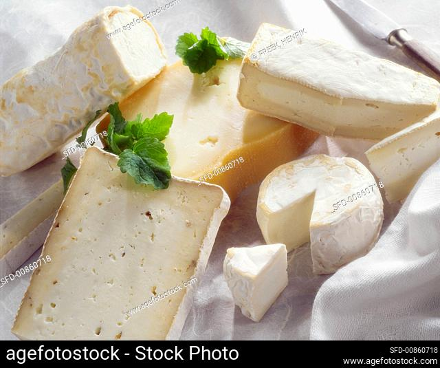 Still life with goat's cheeses