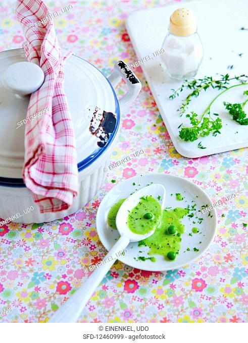 Pea soup with garden herbs