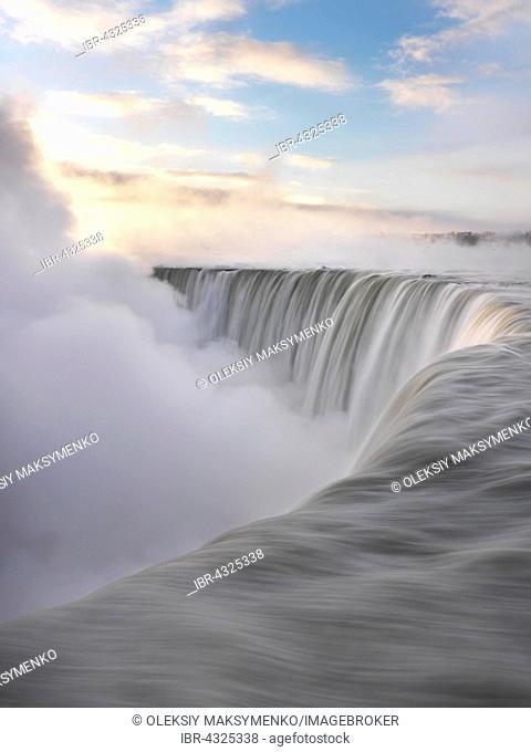 Brink of Niagara Falls, Canadian Falls or Horseshoe Falls, in winter, Niagara Falls, Ontario, Canada