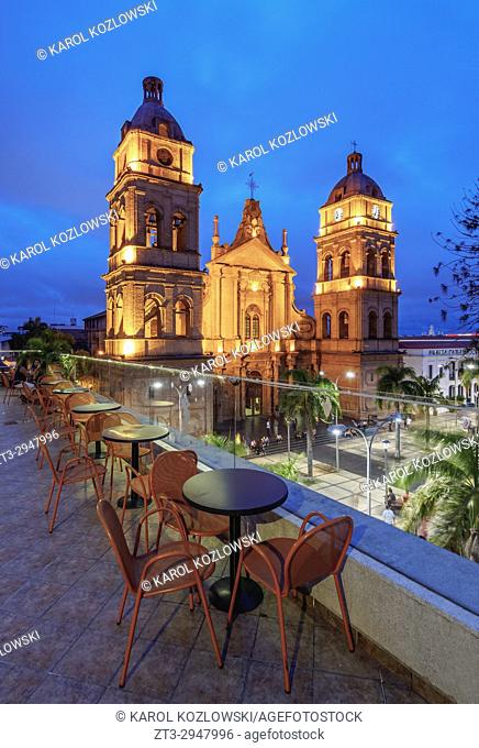 Cathedral Basilica of St. Lawrence, twilight, 24 de Septiembre Square, Santa Cruz de la Sierra, Bolivia