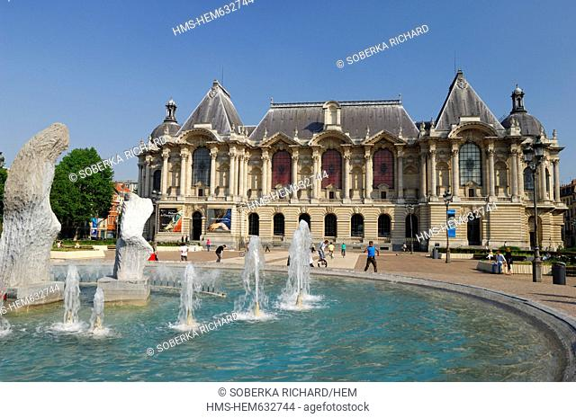France, Nord, Lille, Place de la Republique, fountains in the Republic square with the Palace of Fine Arts