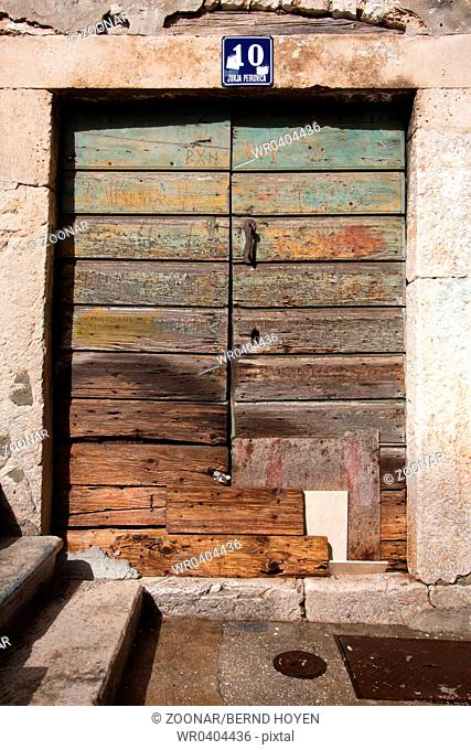 Doors 0308. Croatia
