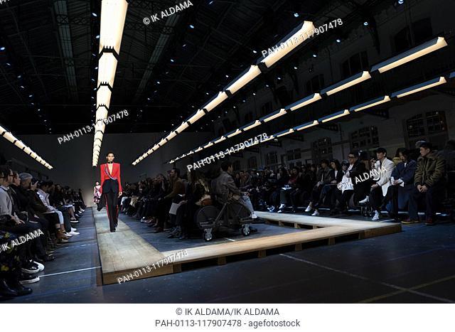 Alexander McQueen runway show during Paris Fashion Week, AW19, Autumn Winter 2019 collection - Paris, France 04/03/2019 | usage worldwide