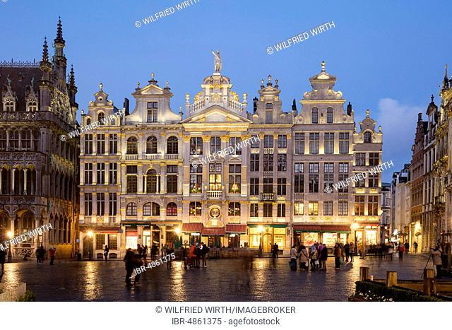Guild houses on Grand Place, Grote Markt, twilight, Brussels, Belgium