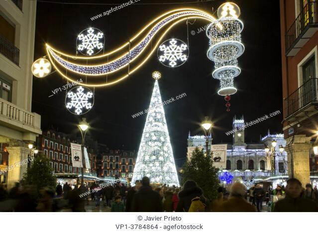 Christmas atmosphere. Santiago street. Christmas lighting. Valladolid. Castile and Leon. Spain