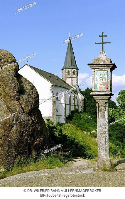 Wayside shrine in front of the parish church St. Thomas, Unterer Burgstall, St. Thomas am Blasenstein, Muehlviertel, Upper Austria, Europe
