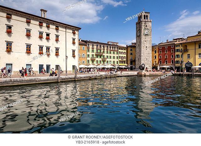 Torre Apponale, Piazza III Novembre, Riva del Garda, Lake Garda, Italy