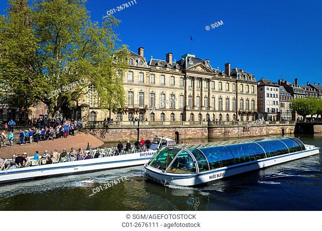 Sightseeing tour boats and 'Palais Rohan' Rohan Palace, Strasbourg, Alsace, France