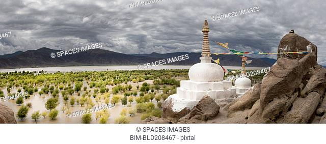 Stupas and small shrines near the Yarlung river