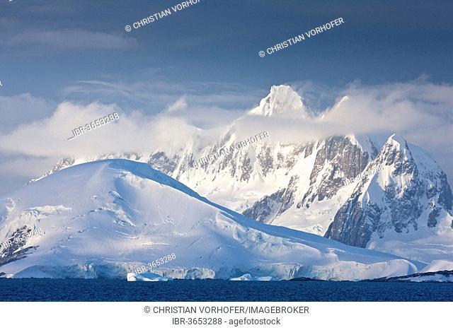 Snow-covered mountains, Antarctic Peninsula, Antarctica