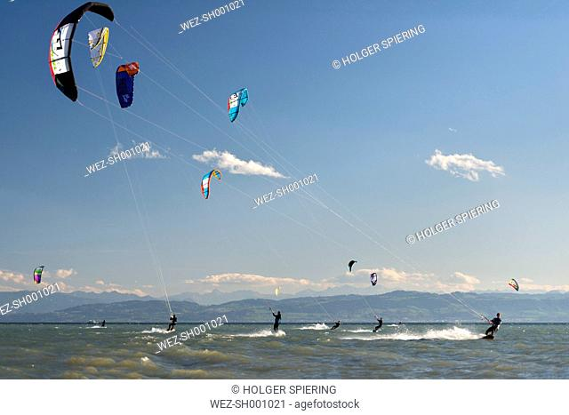 Germany, Baden-Wuerttemberg, Fischbach, Kitesurfers on Lake Constance