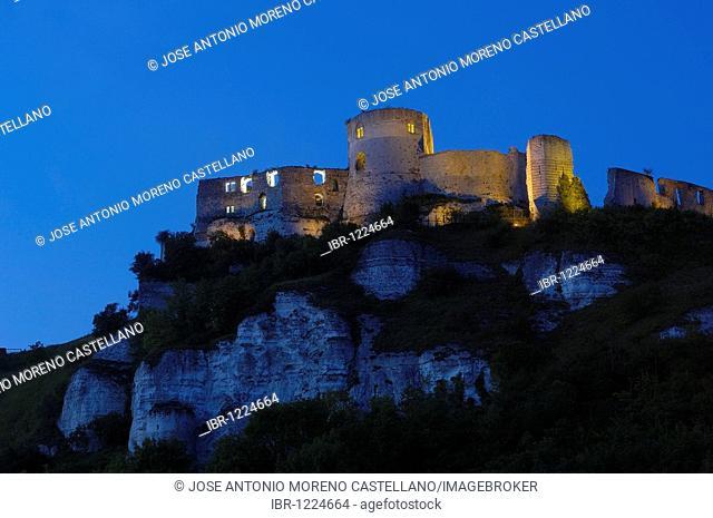 Galliard Castle, Château-Gaillard, at dusk, Les Andelys, Seine valley, Normandy, France, Europe
