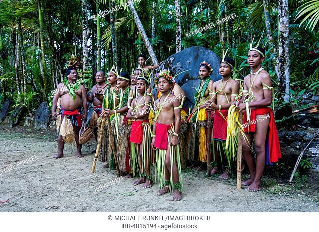 Traditionally dressed islanders, Yap Island, Caroline Islands, Micronesia
