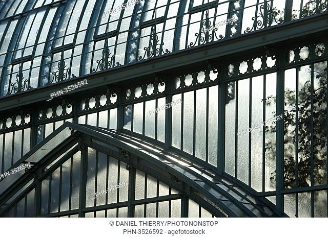 Paris 16th district. Garden of the greenhouses of Auteuil. Detail of the great greenhouse