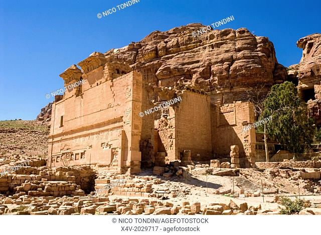 Qsar al-Bint Firaun or Temple of Oushares, Petra, UNESCO World Heritage Site, Jordan, Middle East