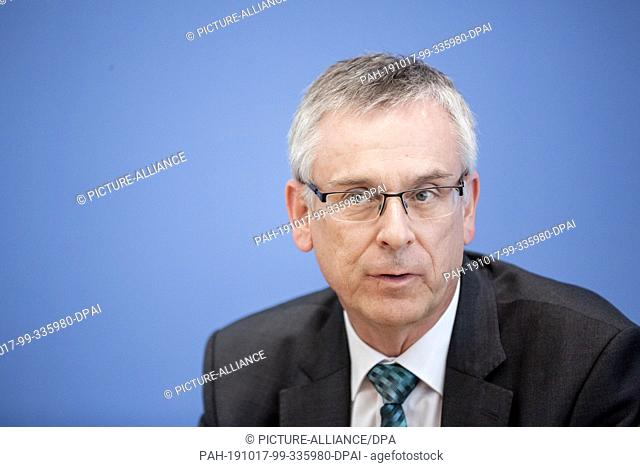 """17 October 2019, Berlin: Andreas Könen, head of the """"""""Cyber and IT Security"""""""" department at the Federal Ministry of the Interior"""