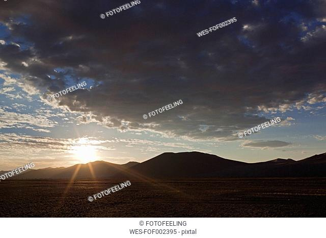 Africa, Namibia, Namib Desert, View of tsauchab river bed and sand dunes in namib-naukluft national park
