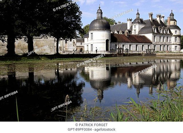 CHATEAU DE TANLAY, RENAISSANCE ARCHITECTURE IN BURGUNDY, YONNE 89, BOURGOGNE, FRANCE