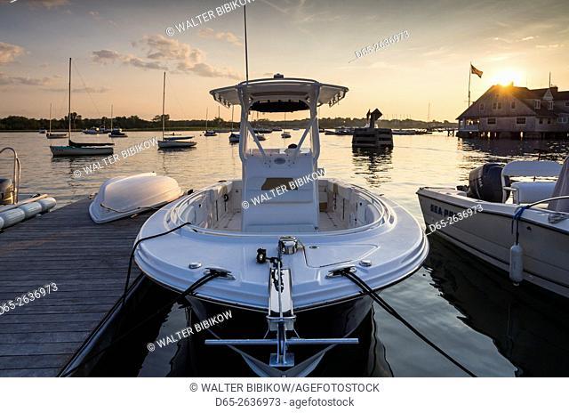 USA, Massachusetts, Cape Ann, Gloucester, Annisquam, Lobster Cove, speedboat