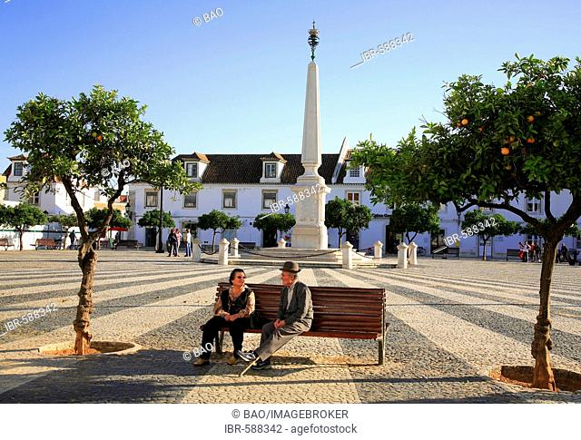 Square Praca do Marques de Pombal, Vila Real de Santo Antonio, Algarve, Portugal