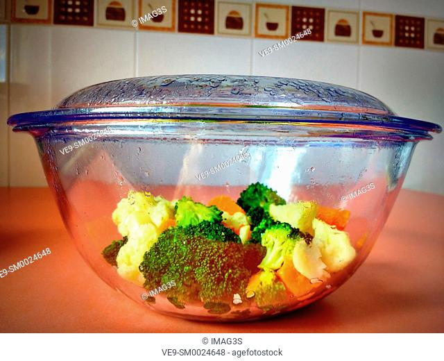 Mixed vegetables in glass bowl