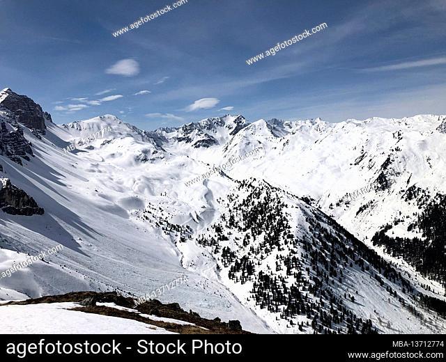 Axamer Lizum ski area, winter landscape, blue sky, Adolf-Pichler-Hütte, Kalkkögel, Stubai Alps, Innsbruck, Axamer Lizum, Tyrol, Austria