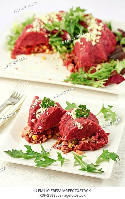 Potato and beetroot crown