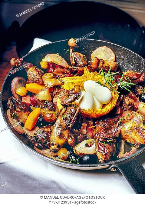 Sartenada de Malvices (Song thrushes) del cocinero Josu Mendizábal. Basque Country, Spain