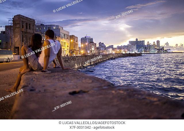 Couple, in Malecón, La Habana, Cuba