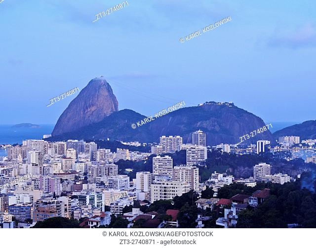 Brazil, City of Rio de Janeiro, Pereira da Silva, Twilight view over Laranjeiras towards the Sugarloaf Mountain