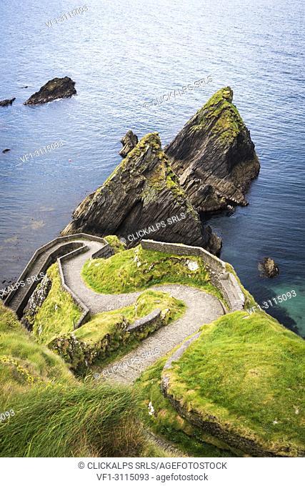 Dunquin pier, Dingle peninsula, County Kerry, Munster province, Ireland, Europe