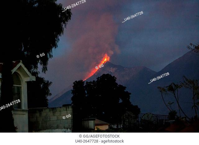 Guatemala, Volcan de Fuego erruption
