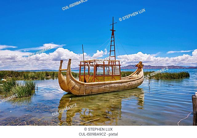 Traditional grass boat, Lake Titicaca, Huarina, La Paz, Bolivia, South America