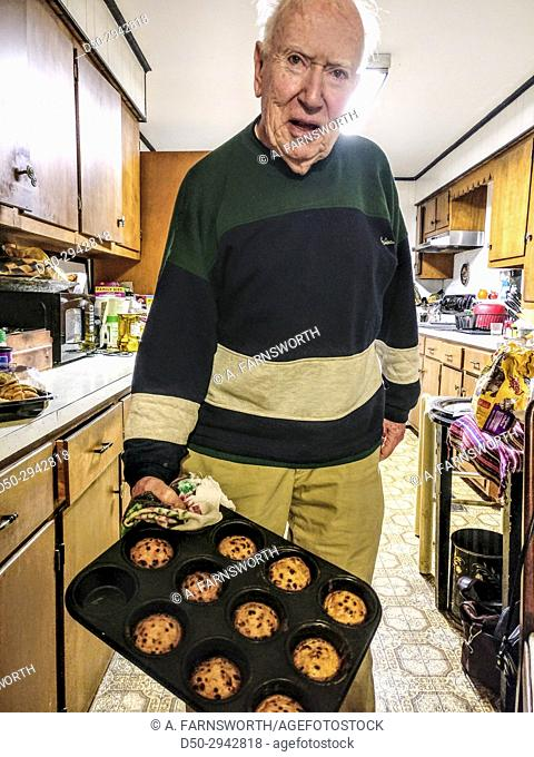 BROOMES ISLAND MARYLAND 86 year old man bakes muffins