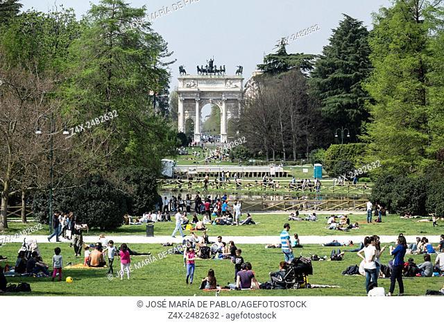 Parco Sempione and Arco della Pace, behind Castello Sforzesco