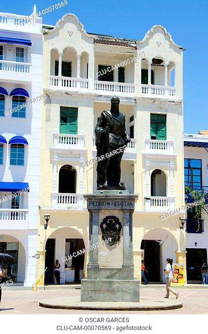 Statue of Pedro de Heredia, Square of the Coches, Cartagena, Bolivar, Colombia
